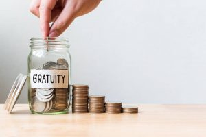 How many years of service is required for gratuity